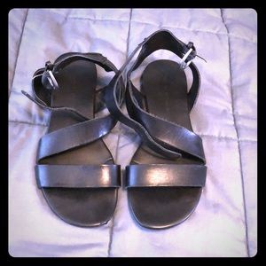 Franco Sarto black buckle sandals size 6